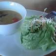 サラダと食べるスープ